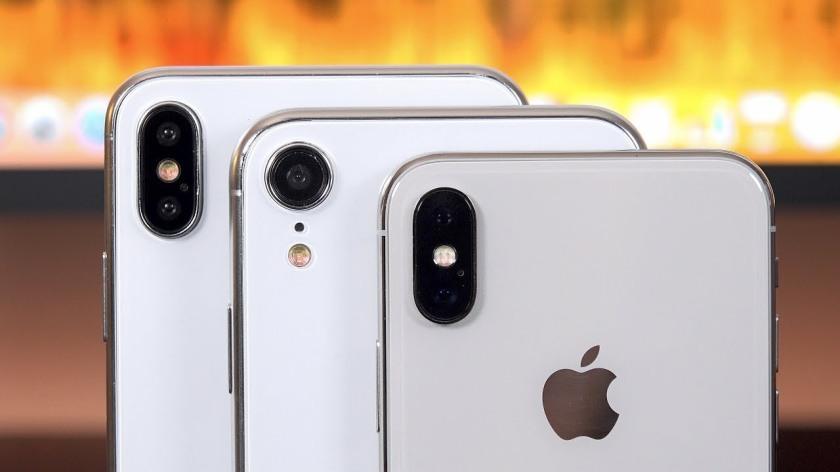 Maquettes-Trois-iPhone-2018