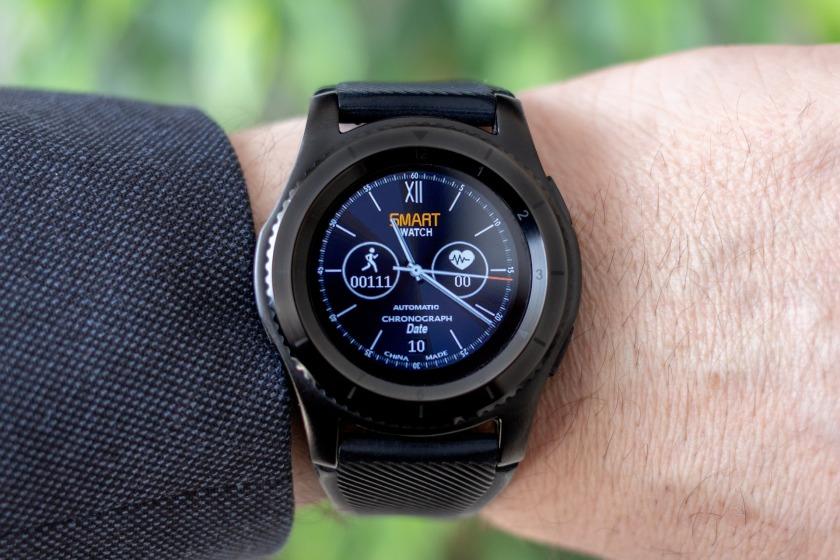 smartwatch-3309118_1920